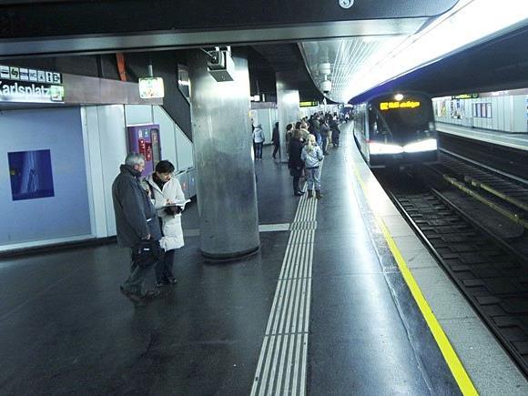 In der U2-Station Karlsplatz eskalierte eine Rauferei