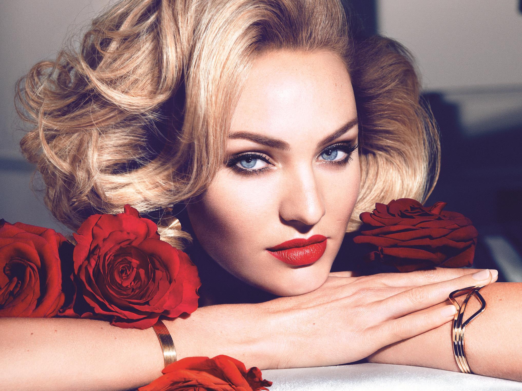 Topmodel Candice Swanepoel im Marilyn Monroe Look.