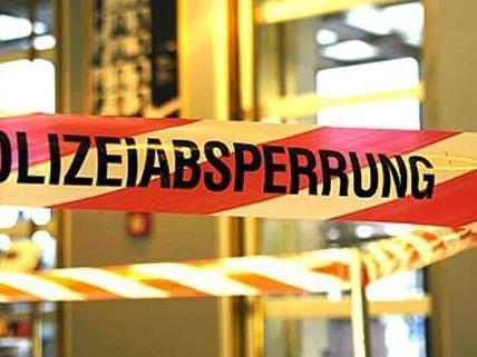 Mutter und Baby lagen tot in einer Wohnung in Wien 15