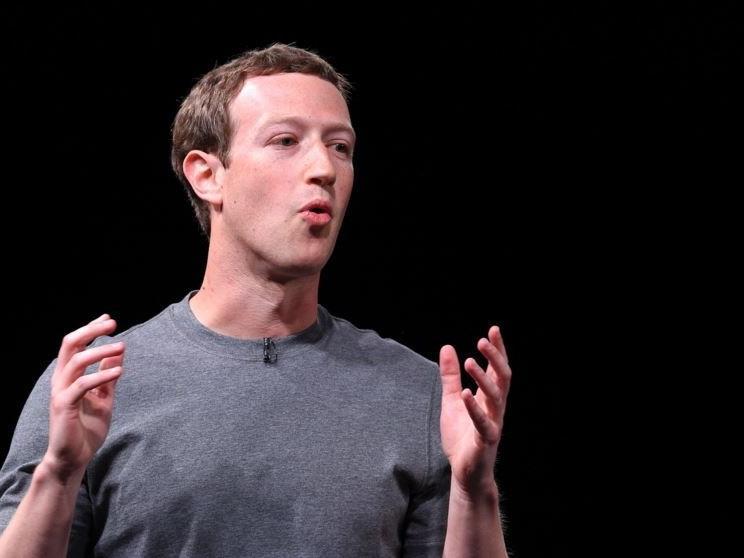 Mark Zuckerberg bei der Samsung-Präsentation.