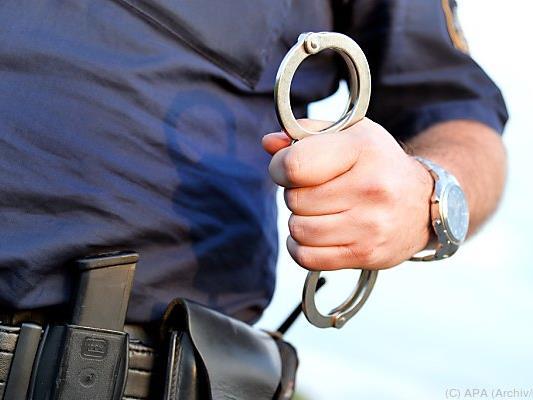 Der Betrunkene wurde in seiner Wohnung festgenommen