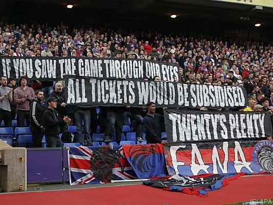 """Teilerfolg für """"Twenty's Plenty""""-Kampagne britischer Fußball-Fans"""