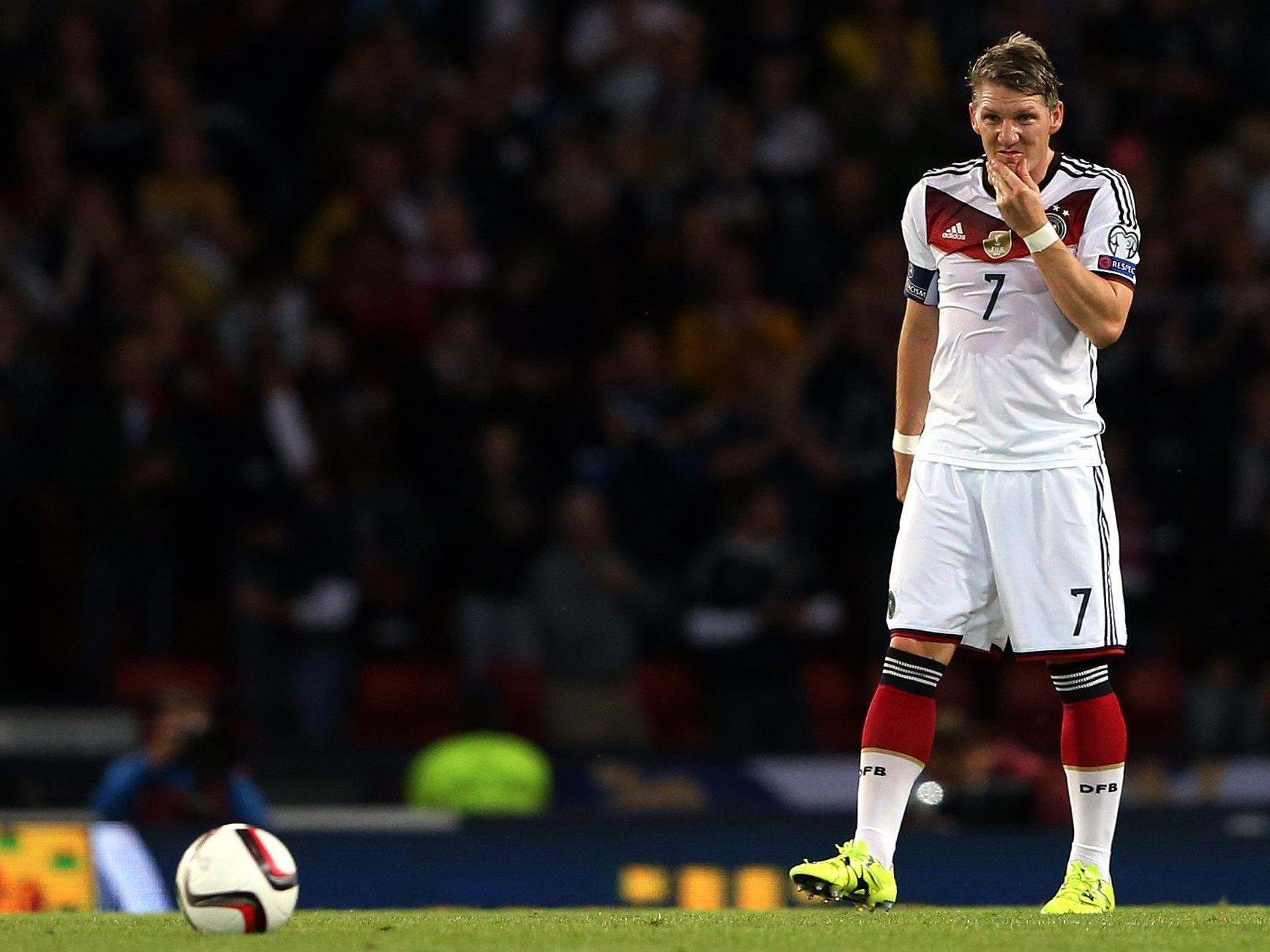 Bastian Schweinsteiger fällt nach einer Knieverletzung erneut aus.