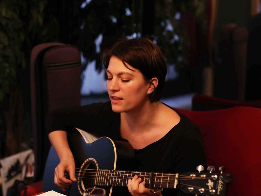 Laura Rafetseder bringt im Herbst ihr zweites Soloalbum heraus.