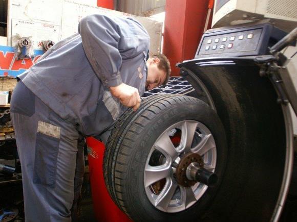 Reifenwechsel und Autowäsche in Wien