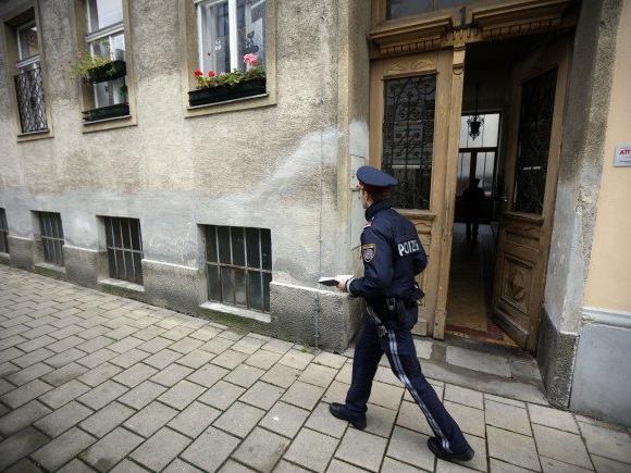 Die Tatrekonstruktion soll in der Wohnung, in der die Frau zu Tode kam, durchgeführt werden.