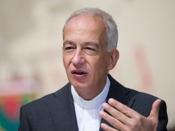 Caritas-Präsident Landau macht auf Mängel aufmerksam.