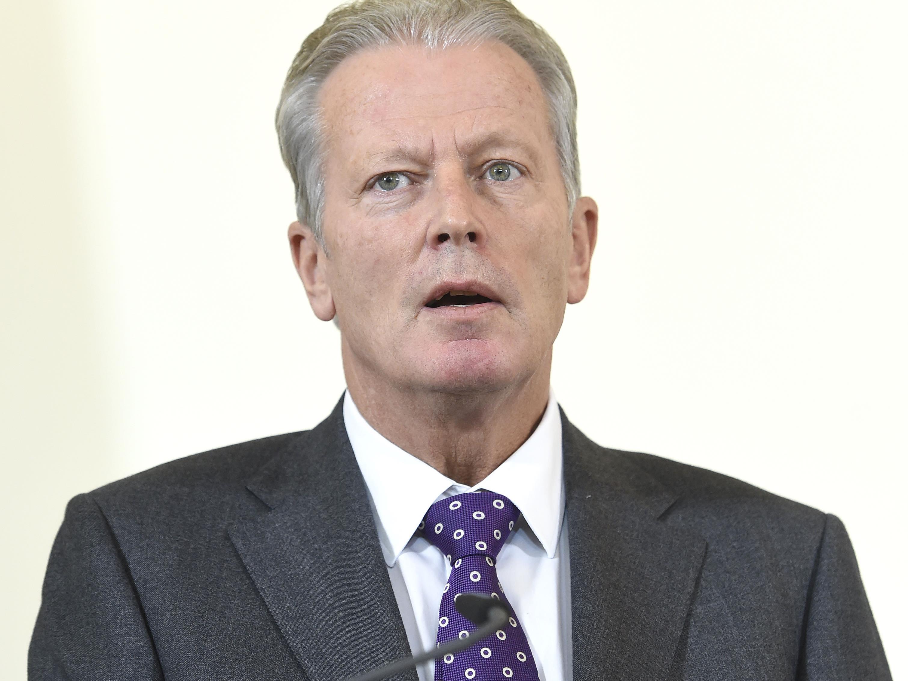 ÖVP-Chef Reinhold Mitterlehner kann dem Vorschlag von SPÖ-Kanzler Werner Faymann wenig abgewinnen.