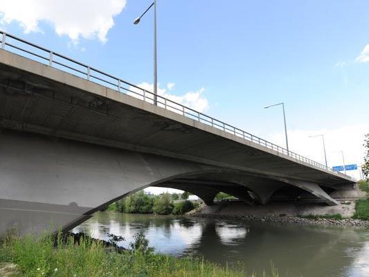 Die Wiener Brücken werden ab Mitte März wieder gewartet und überprüft.