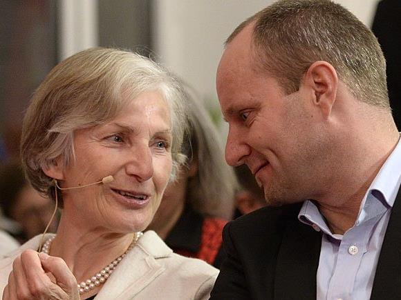 NEOS-Klubchef Matthias Strolz und Präsidentschaftskandidatin Irmgard Griss
