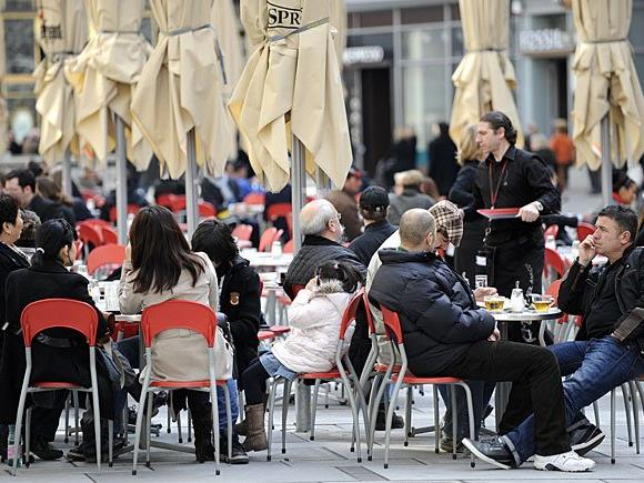 Schanigärten dürfen bislang in Wien zwischen 1. März und 15. November offen sein