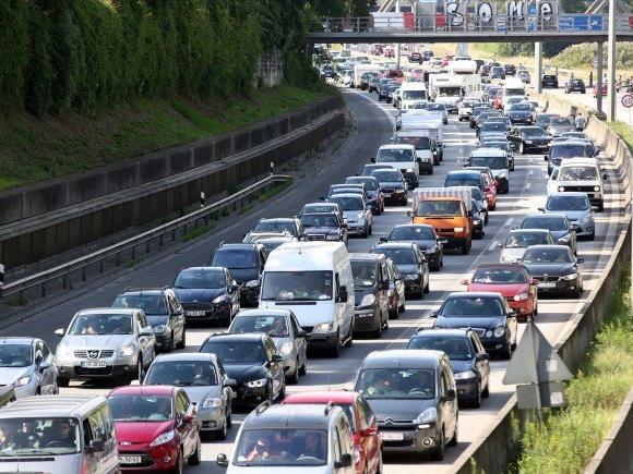 Ein Unfall auf der A23 sorgte für langen Stau
