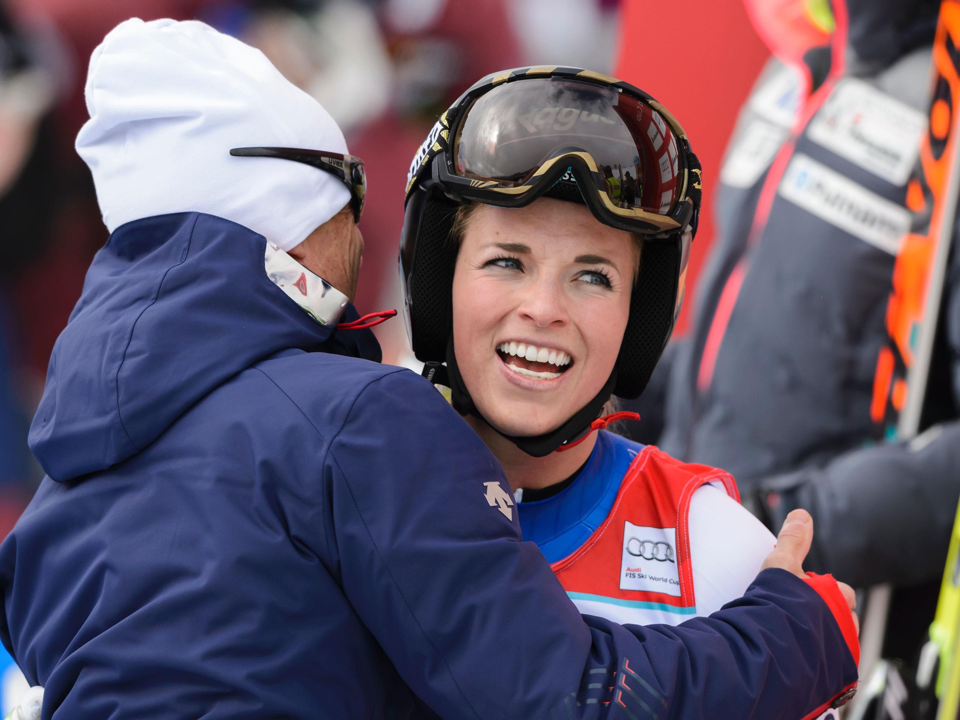 Hat gut lachen: Lara Gut holt sich vorzeitig den Gesamtweltcup!