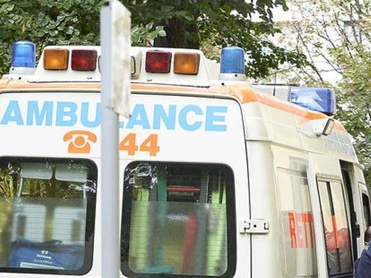 Die Polizisten konnten den Mann bis zum Eintreffen der Rettung stabilisieren.