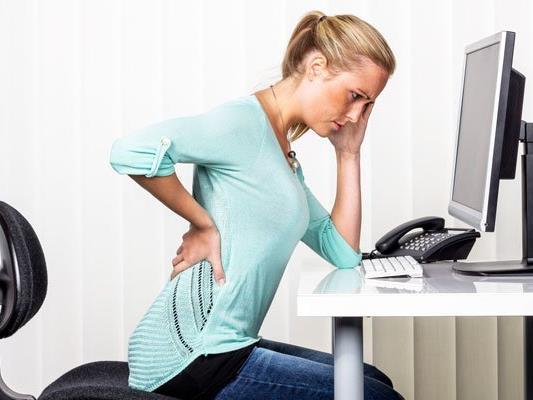 So können Sie Schmerzen im Rücken entgegenwirken.