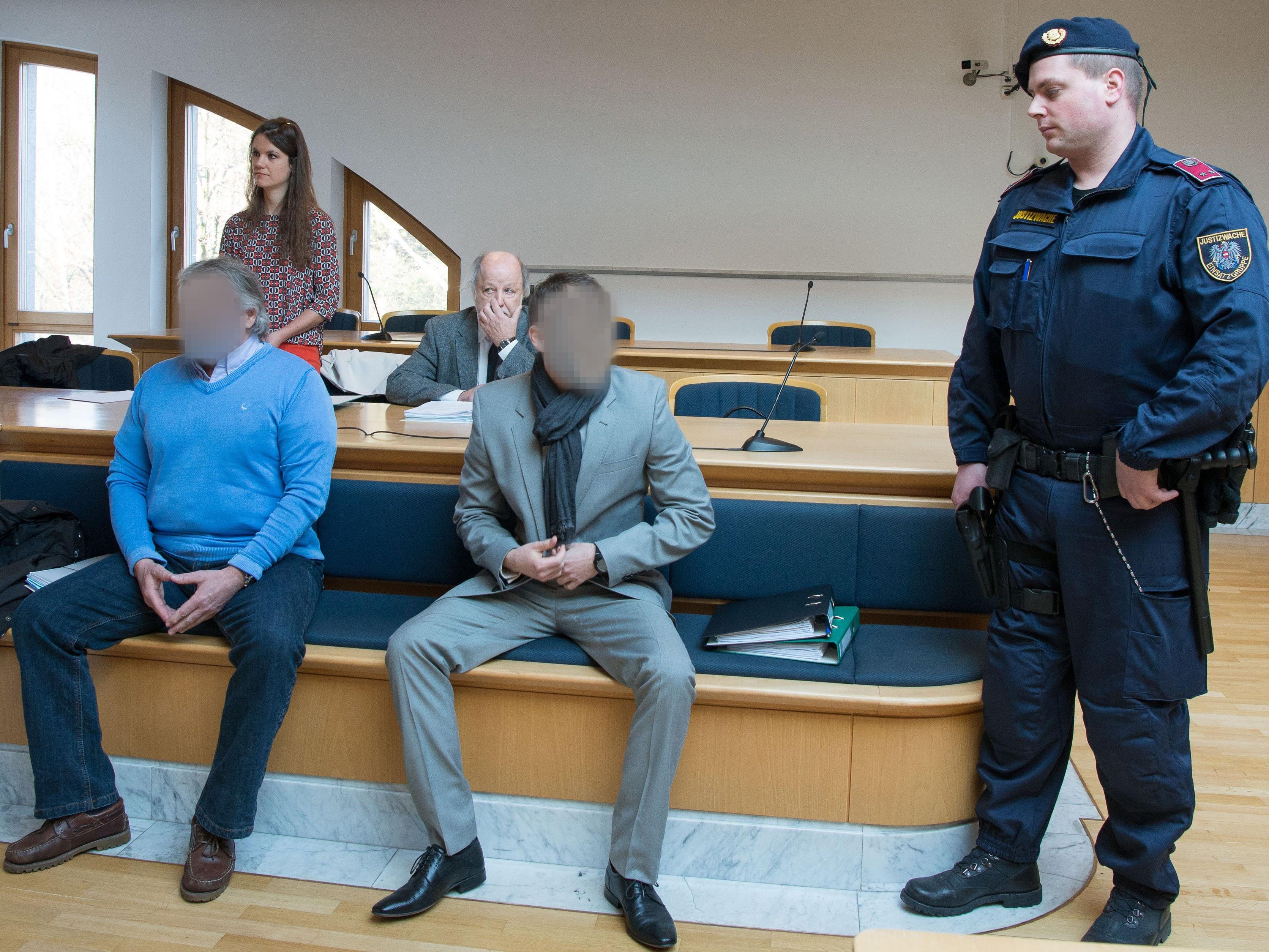 Angeklagte nicht rechtskräftig für Transport von zumindest 500 Kilogramm Kokain verurteilt.