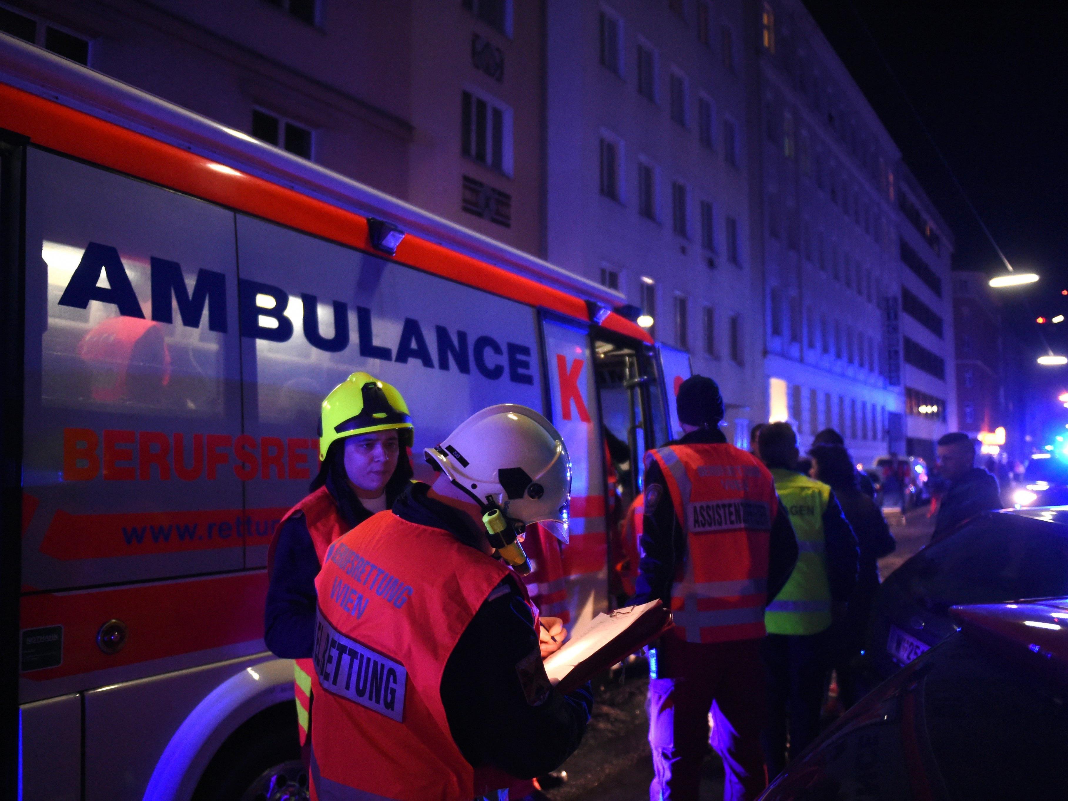 Verletzter brach auf Polizeistation Pappenheimgasse in Brigittenau zusammen