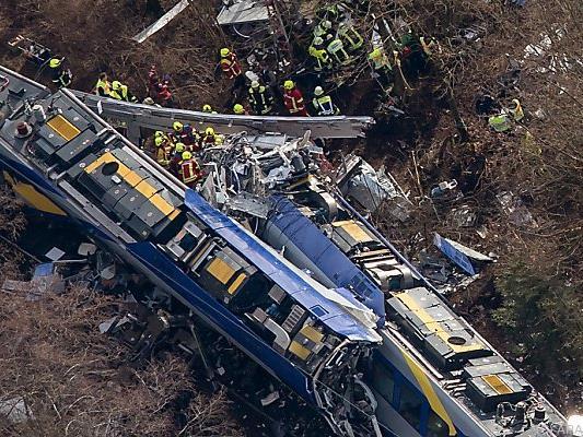 Elf Tote nach Unglück