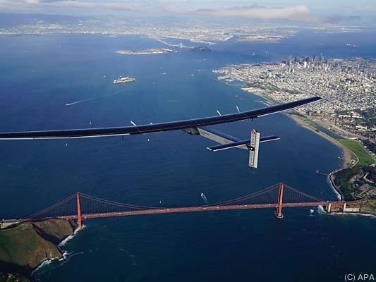 Ehrenrunde über der Golden Gate Bridge