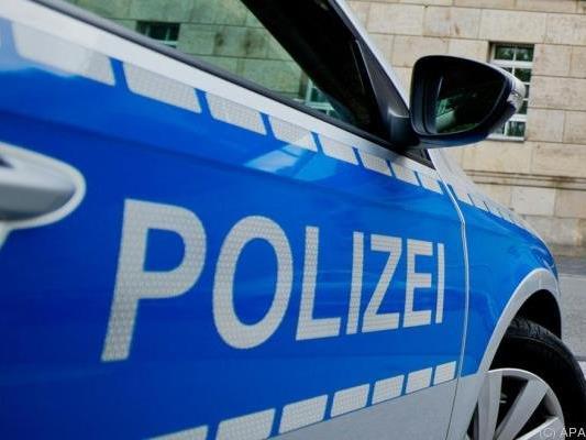 Die Täter flüchteten nach Polizeiangaben