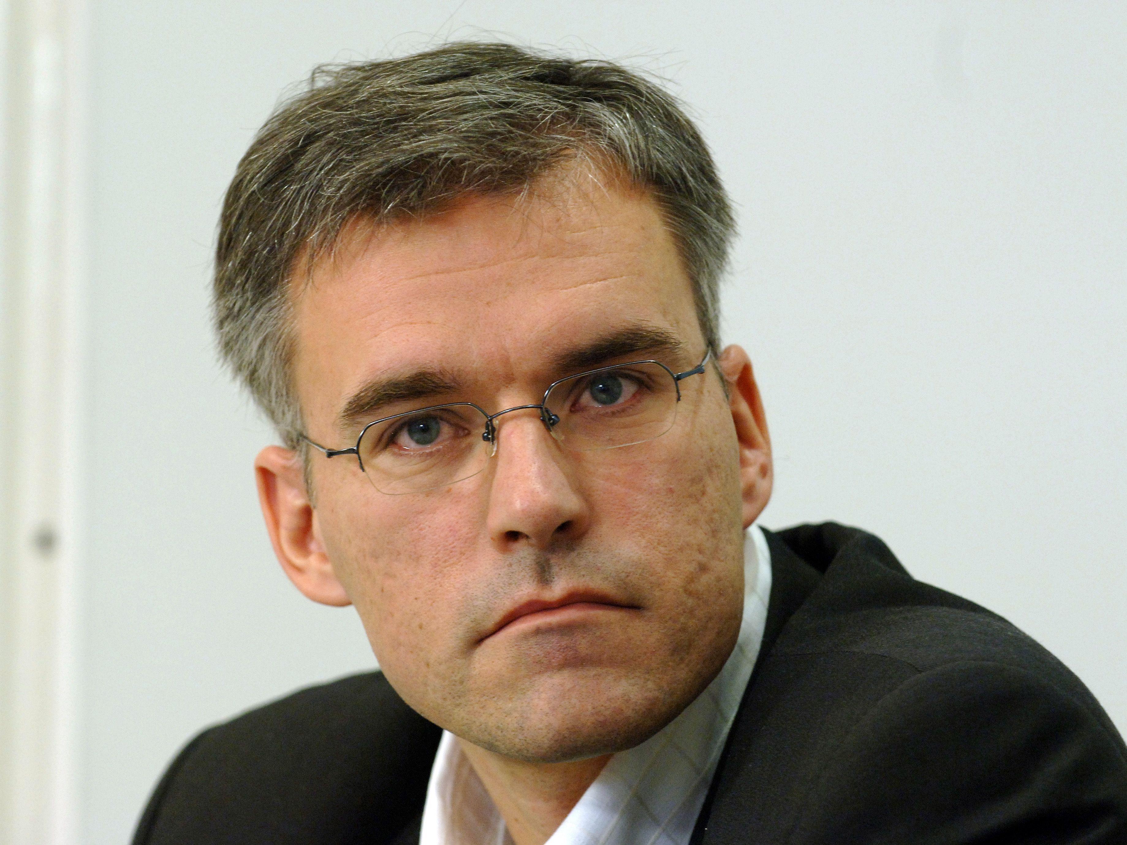 Lothar Lockl bezweifelt die Richtigkeit der Spendenangaben der BP-Kandidaten.
