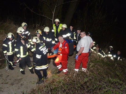 Passanten sahen verletzten Menschen am Donauufer