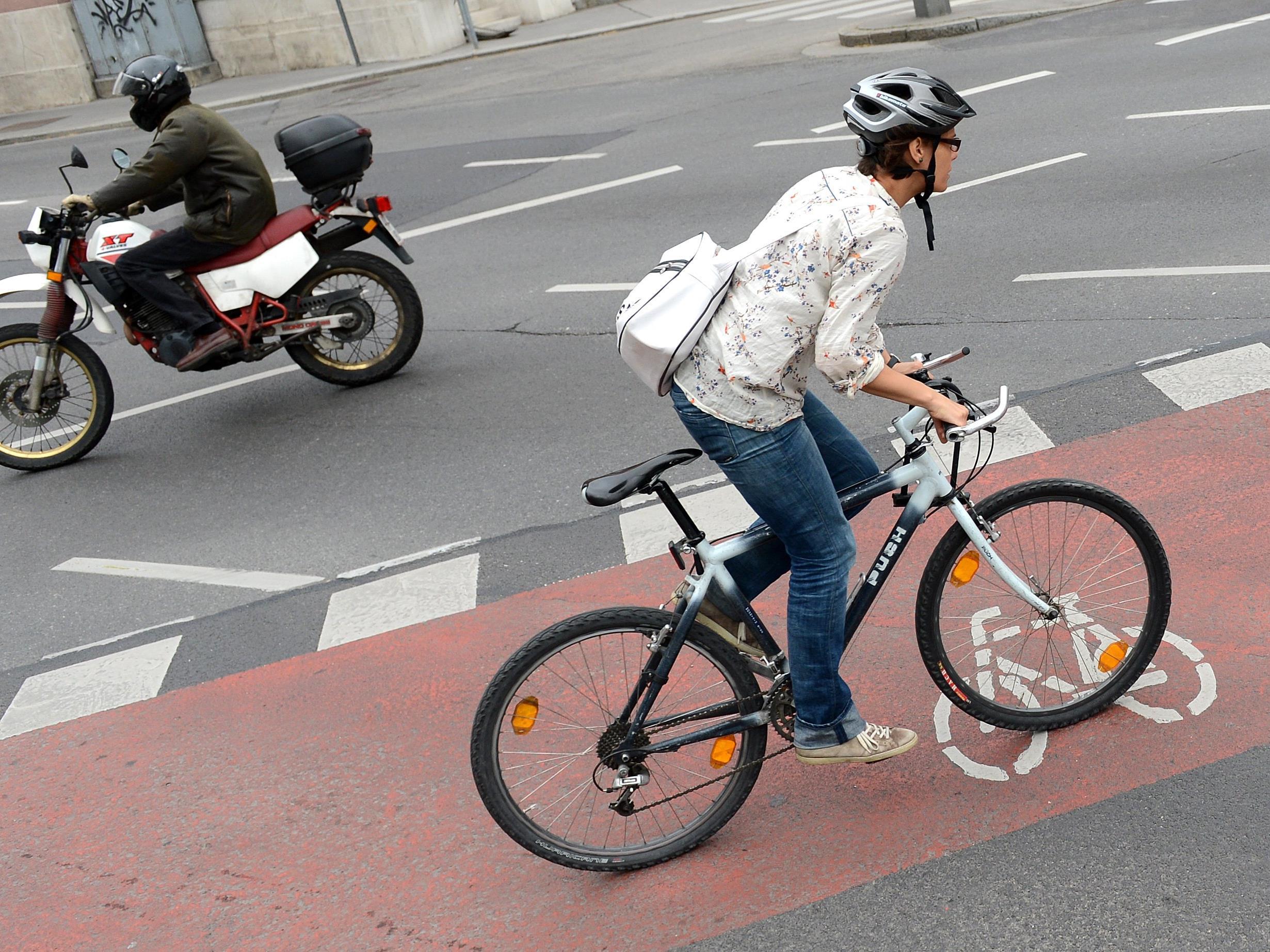 Radfahrer werden laut der Umfrage besonders kritisch gesehen.