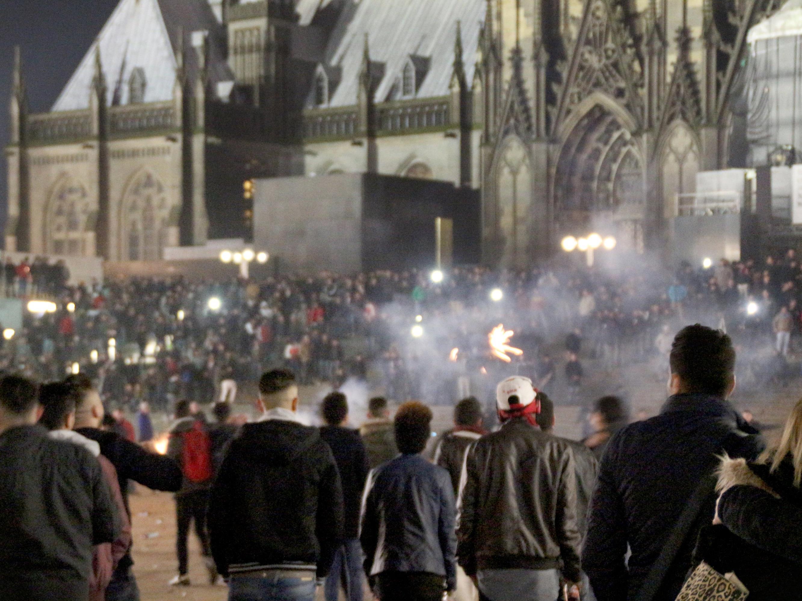 NRW-Innenministerium wies Vorwürfe zurück - CDU fordert Rücktritt von Innenminister Jäger.