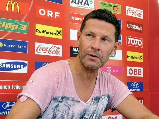 U17-Teamchef Andreas Heraf muss vor der EM noch zwei Spieler aus seinem Kader streichen.