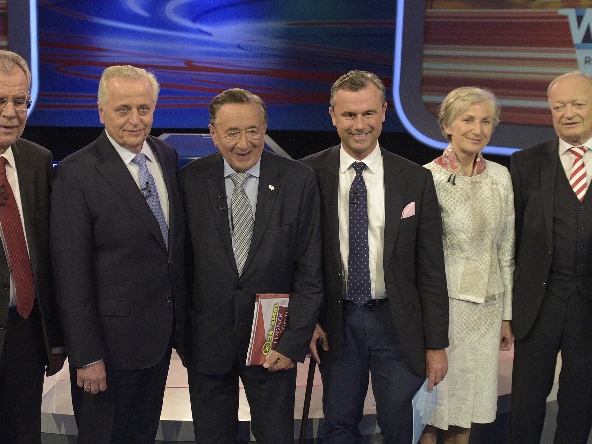 Die sechs Bundespräsidentschafts-Kandidaten verbirngen den Wahlsonntag ganz unterschiedlich.