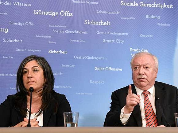 Vizebürgermeisterin Maria Vassilakou (Grüne) und Bürgermeister Michael Häupl (SPÖ) bei der Pressekonferenz