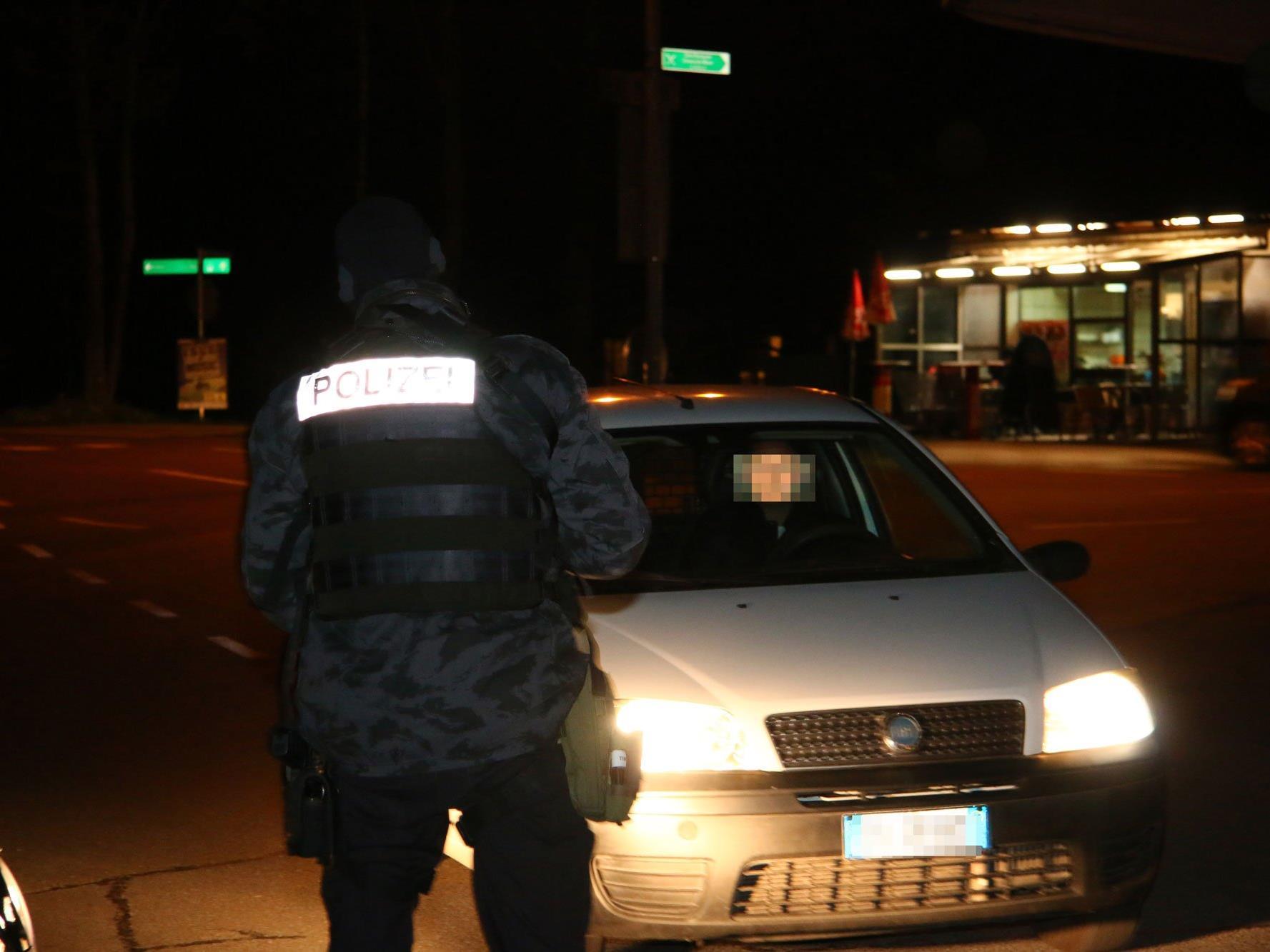 Im Bild: Alarmfahndung nach bewaffnetem Raubüberfall in Lindau.