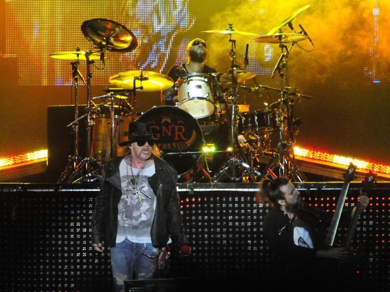 Es ist fix: Axl Rose geht mit AC/DC auf Tour.
