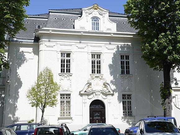 Hausdurchsuchung in Firtaschs Anwesen in Wien-Hietzing