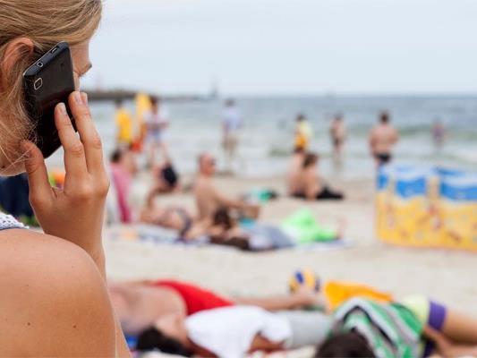 Handyanruf ins EU-Ausland max. 6 Cent pro Minute ab Mai.