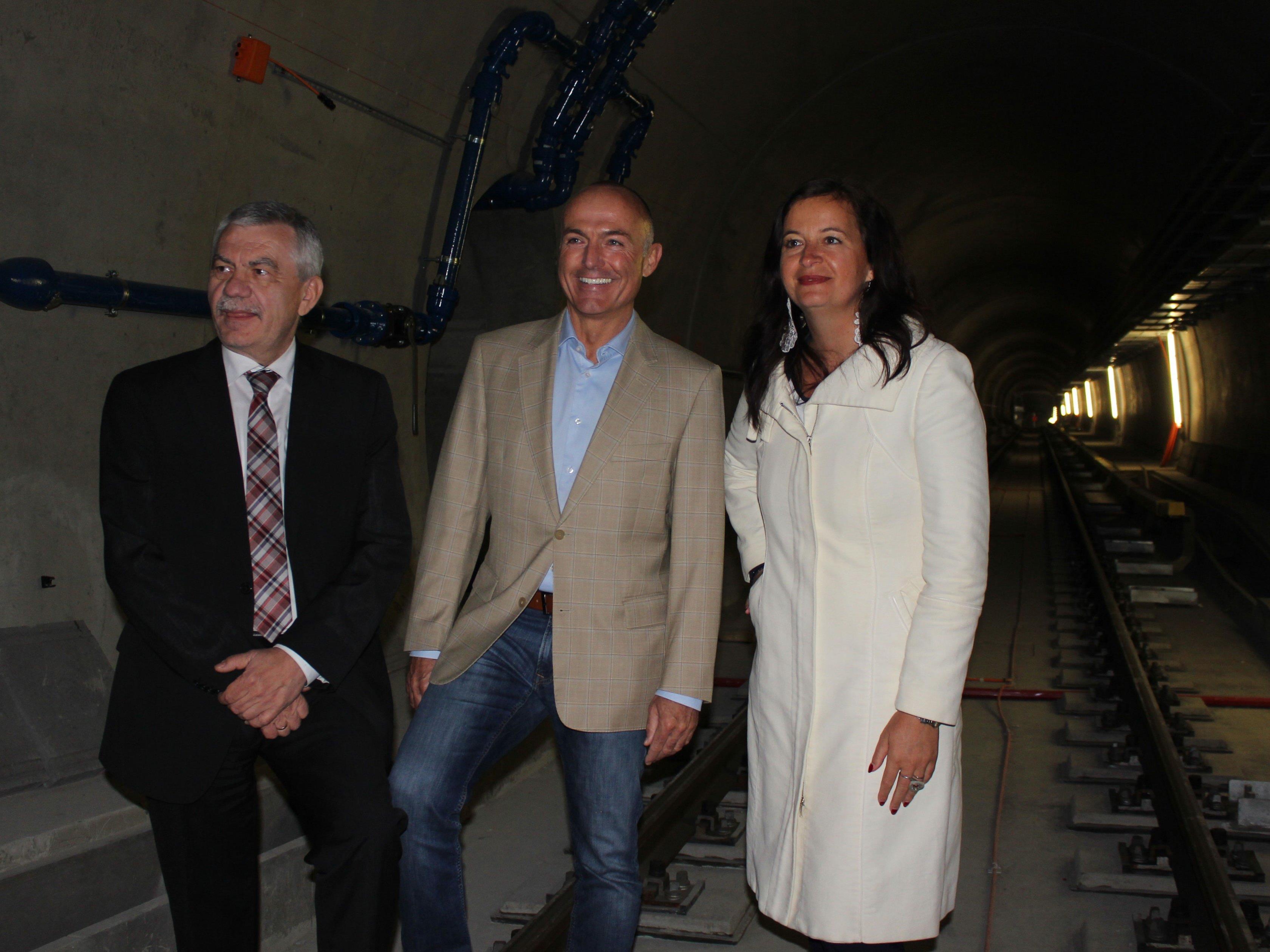 Steinbauer, Klug und Sima auf Tunnelbegehung der U1-Verlängerung.
