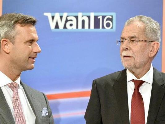 Die Präsidentschaftskandidaten Alexander Van der Bellen (r.) und Norbert Hofer.