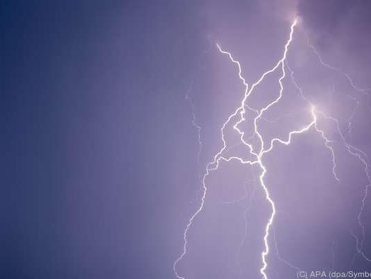 Innerhalb von drei Tagen fast 60 Tote durch Blitzschläge