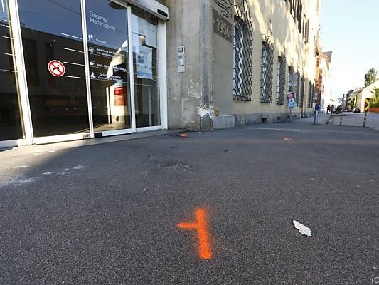 Autoattacke auf Frau und Kinder: Unglücksstelle in Grazer Mariengasse