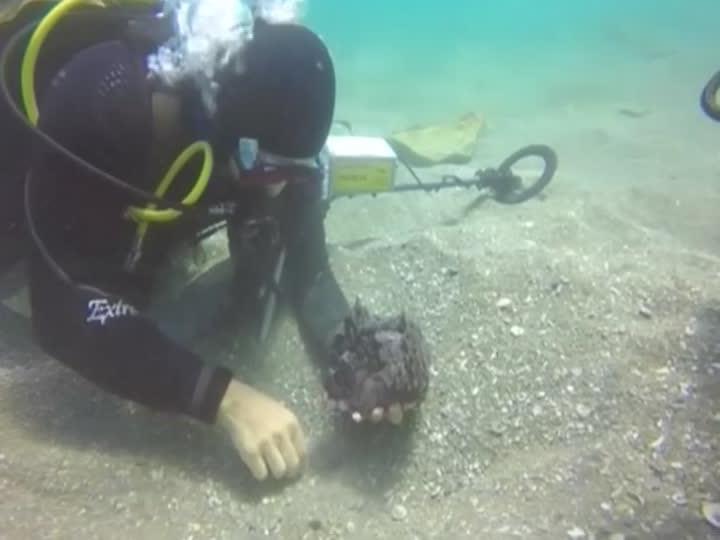 Tauchen fanden einen mindestens 1600 Jahre alten Schatz.