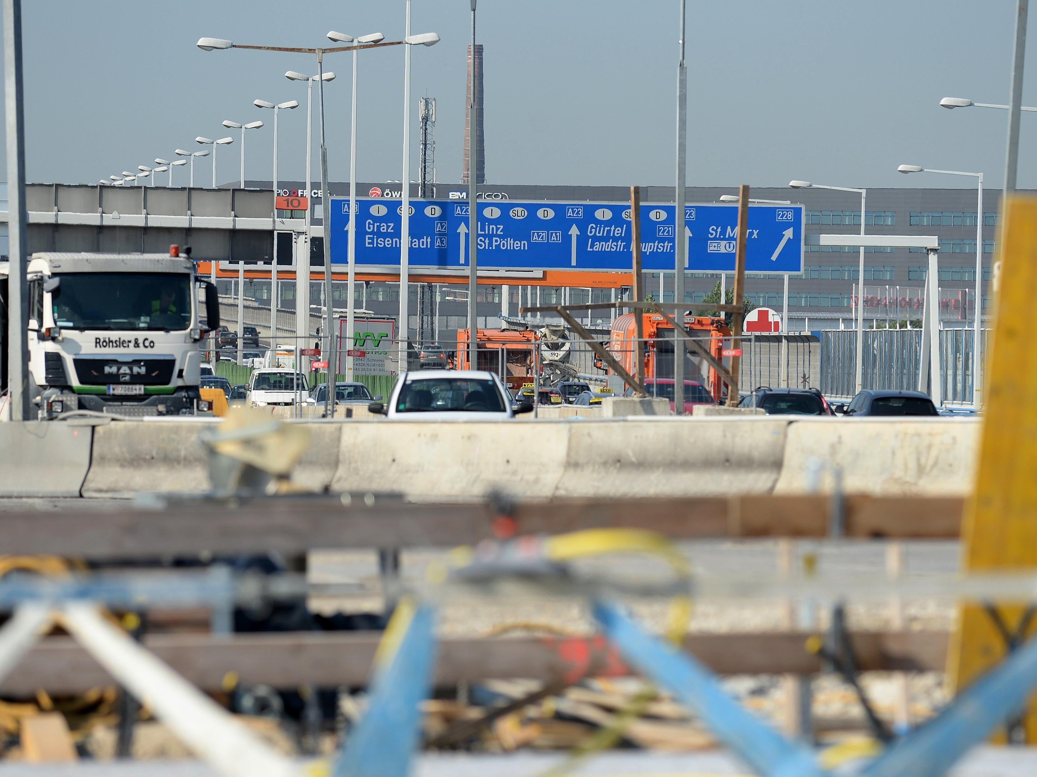 Sanierungen auf der A23 sorgen für Sperren.