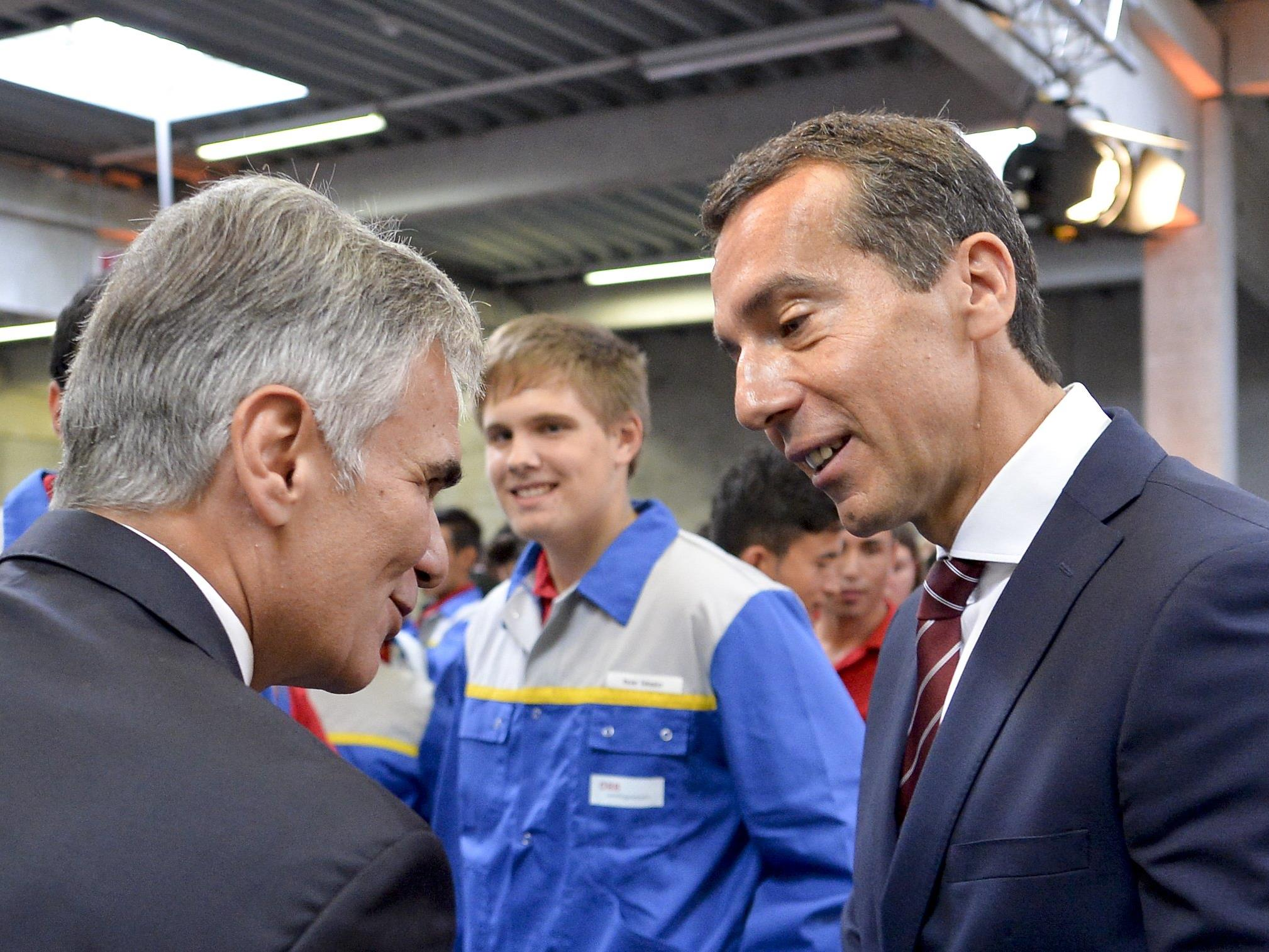 Christian Kern (rechts) folgt Werner Faymann.