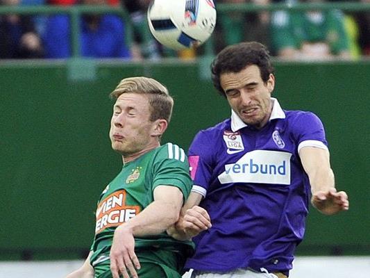 Fabian Koch (r.) wird künftig für Sturm Graz in Kopfballduelle gehen.