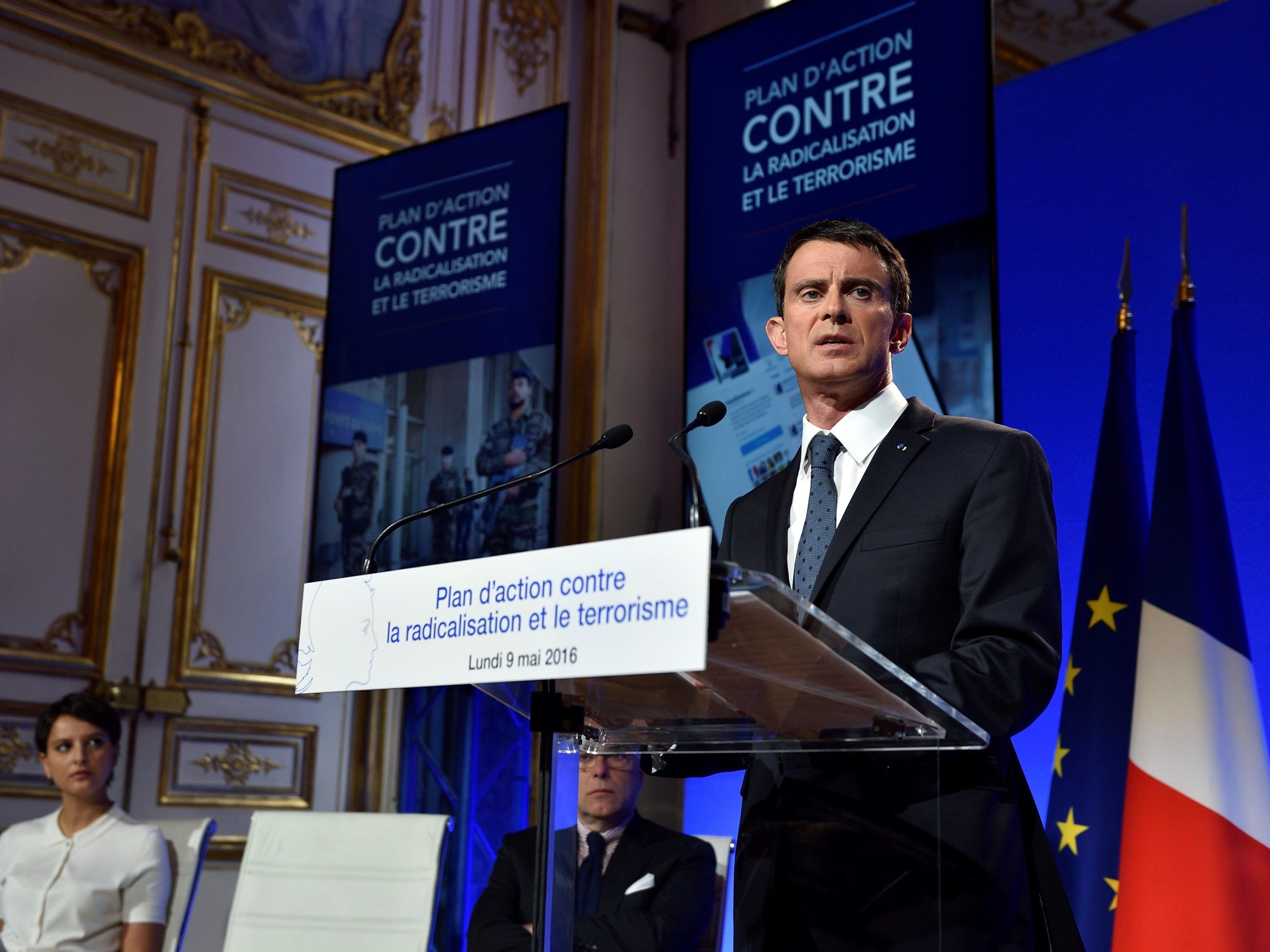"""Premierminister Manuel Valls am Montag bei der Vorstellung eines """"Aktionsplans gegen Radikalisierung und Terrorismus""""."""