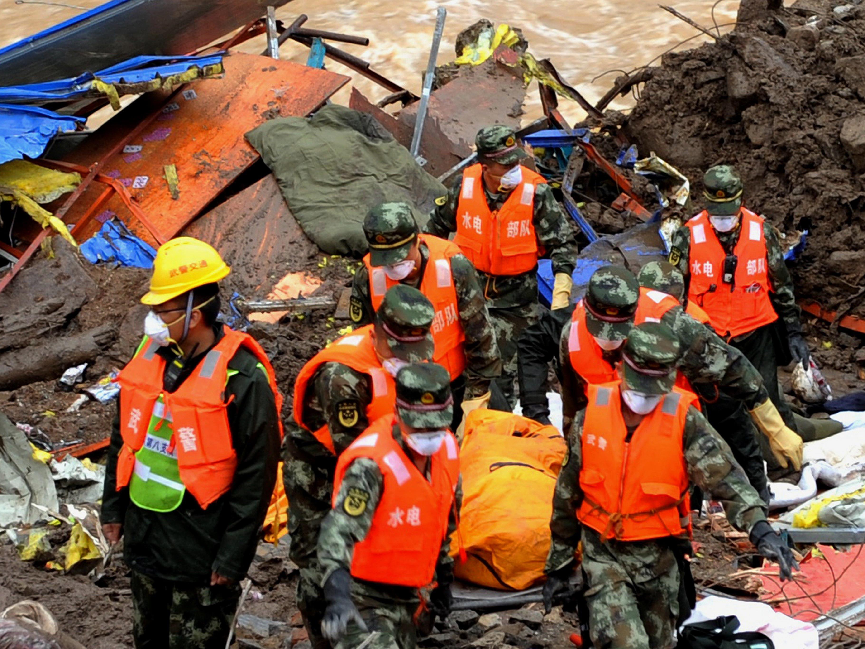 Nach dem Erdrutsch in Südchina ist die Zahl der Toten auf 35 gestiegen.