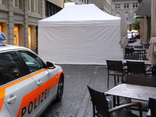 In St.Gallen wurde ein Mann auf offener Straße erschossen. Die Kantonspolizei bittet um Hinweise.