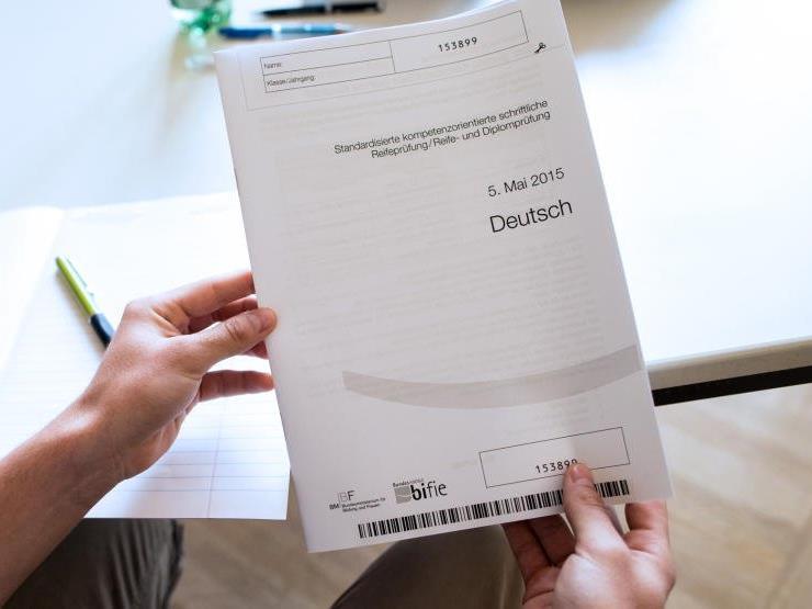 Die Zentralmatura startet mit dem Fach Deutsch.