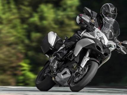 Ein Motorradfahrer ist in Wien-Liesing verunfallt