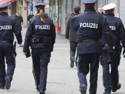 Polizisten kamen zum Einsatz wegen eines Diebstahls in Mariahilf