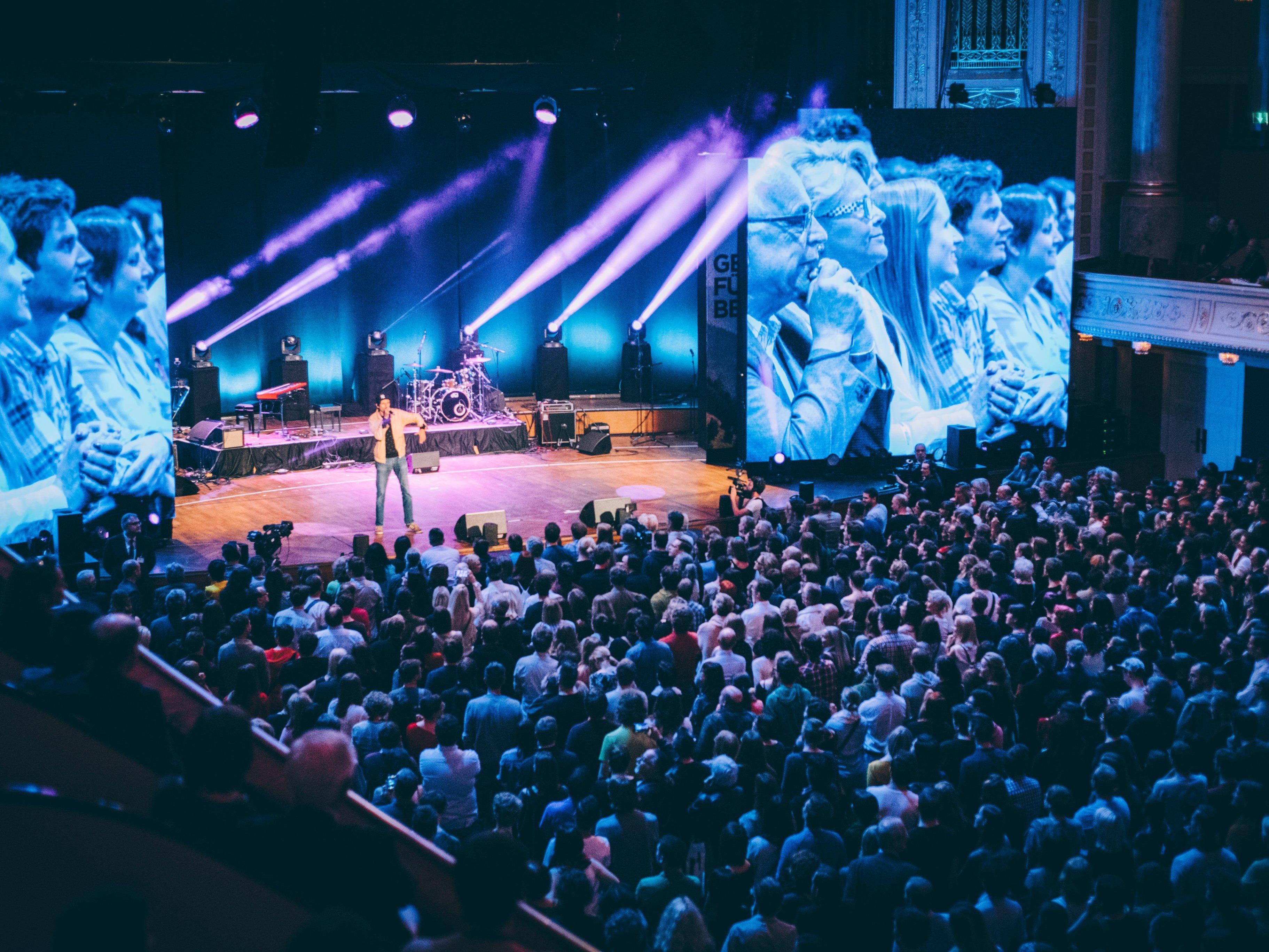 """Mehr als 2.000 Gäste kamen zu """"Stimmen für Van der Bellen"""" ins Wiener Konzerthaus."""